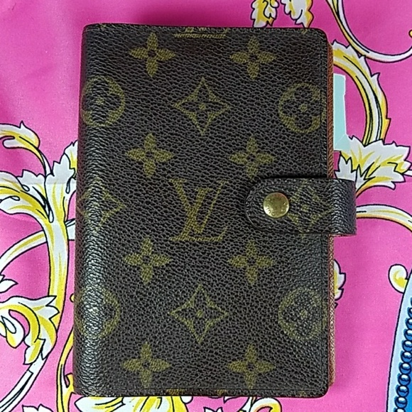 837bd621a5d1 Louis Vuitton Accessories - Authentic Louis Vuitton Monogram Agenda PM